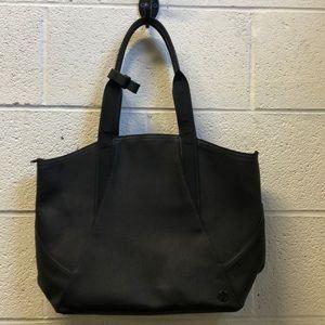 Lululemon black stiff tote, 62199
